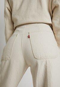 Levi's® - WELLTHREAD RIBCAGE CROP WIDE - Flared Jeans - BREAKING WAVE ECRU HEMP B W - 5