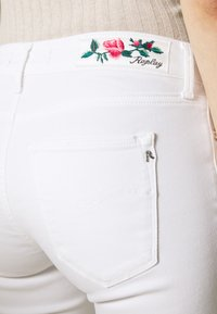 Replay - NEW LUZ PANTS - Jeans Skinny Fit - white - 5