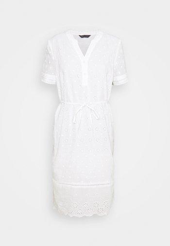 BRODERIE - Vestido informal - white