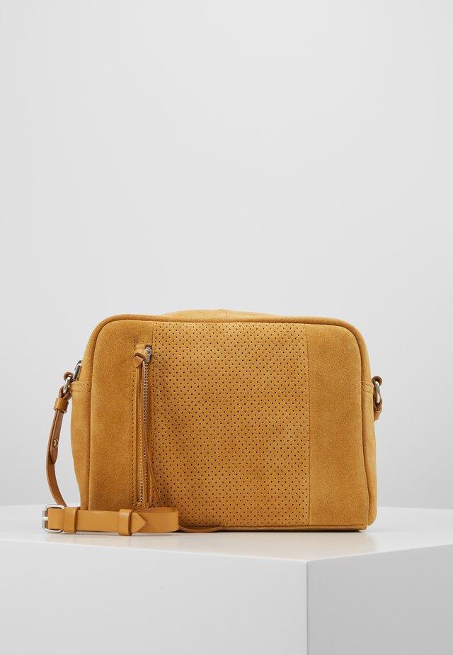 LEATHER - Across body bag - mustard