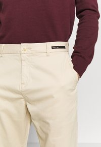 Scotch & Soda - FAVE CLASSIC - Chino - sand - 4