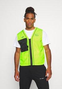Nike Sportswear - VEST - Liivi - volt - 0