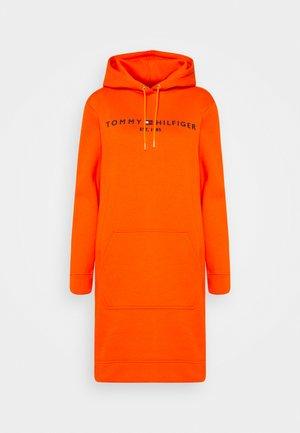 REGULAR HOODIE DRESS - Day dress - princeton orange