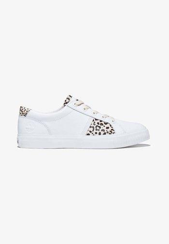 SKYLA BAY OXFORD - Trainers - pro white leopard
