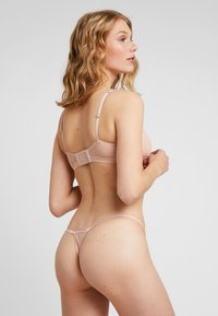 Cosabella - SOIRE CONFIDENCE ITALIAN THONG - Thong - nude - 2