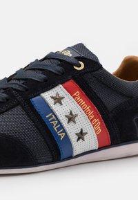 Pantofola d'Oro - IMOLA UOMO - Sneakers laag - dress blues - 5