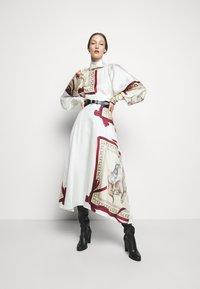 Victoria Beckham - DRAPED SLEEVE DRESS - Occasion wear - cream/bordeaux - 1