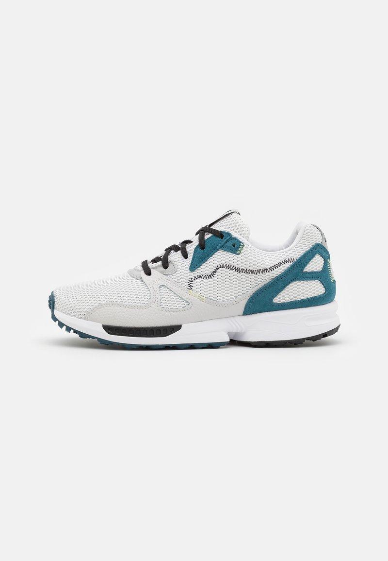 adidas Golf - ADIC ZX PRIMEBLUE - Golf shoes - footwear white/core black/orbit indigo