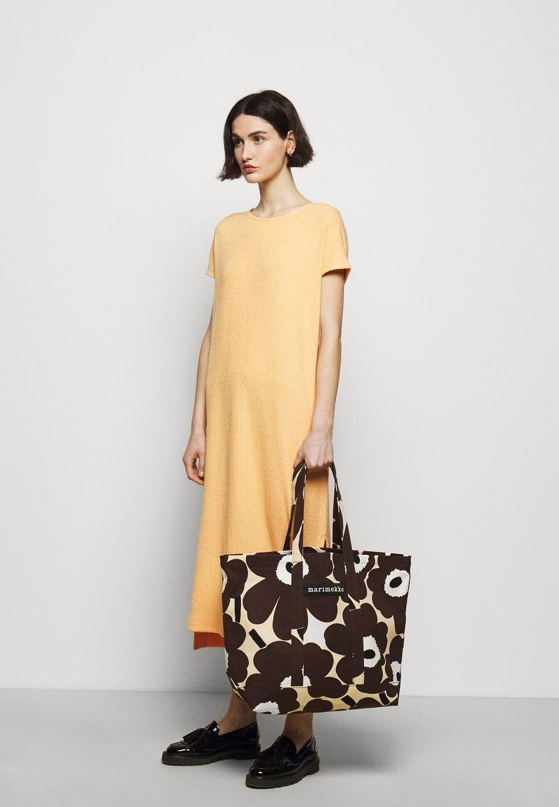 Marimekko - PERUSKASSI PIENI UNIKKO - Tote bag - beige/brown/off white