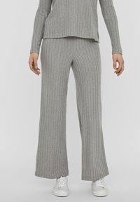 Vero Moda - Trousers - light grey melange - 0