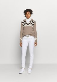 Daily Sports - CARIN UNLINED - Sweter - hazel - 1