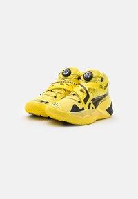 Puma - DISC REBIRTH PORSCHE X ALL STAR GAME - Basketball shoes - celandine/black - 1