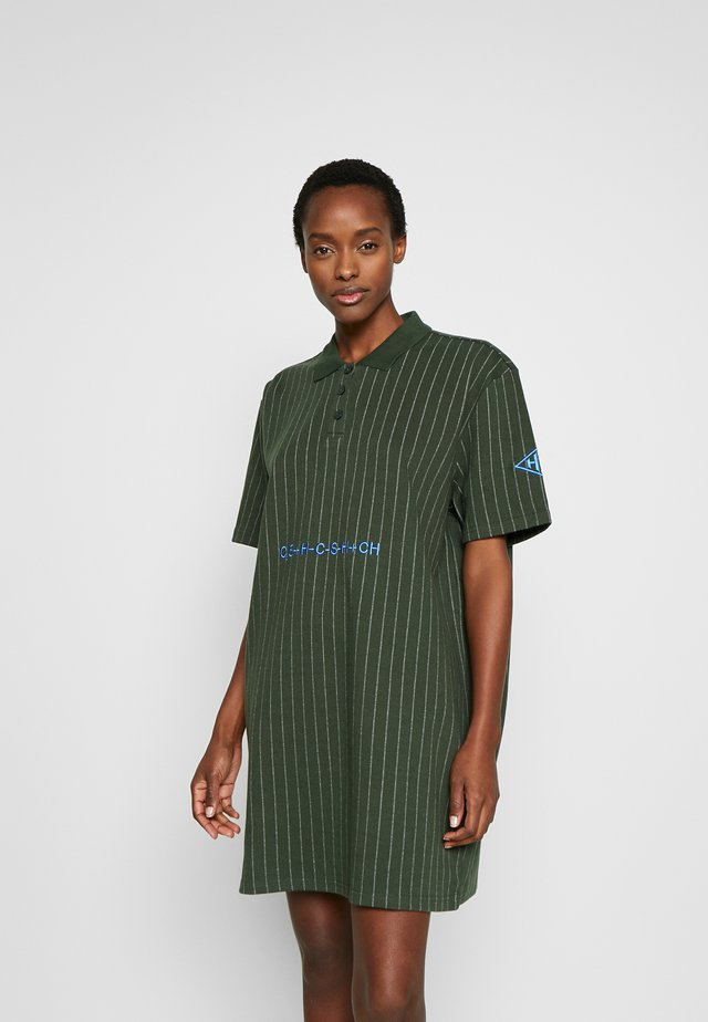POLO DRESS - Korte jurk - green