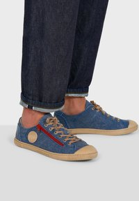 Pataugas - BUMP T H2E - Trainers - blue jeans - 0