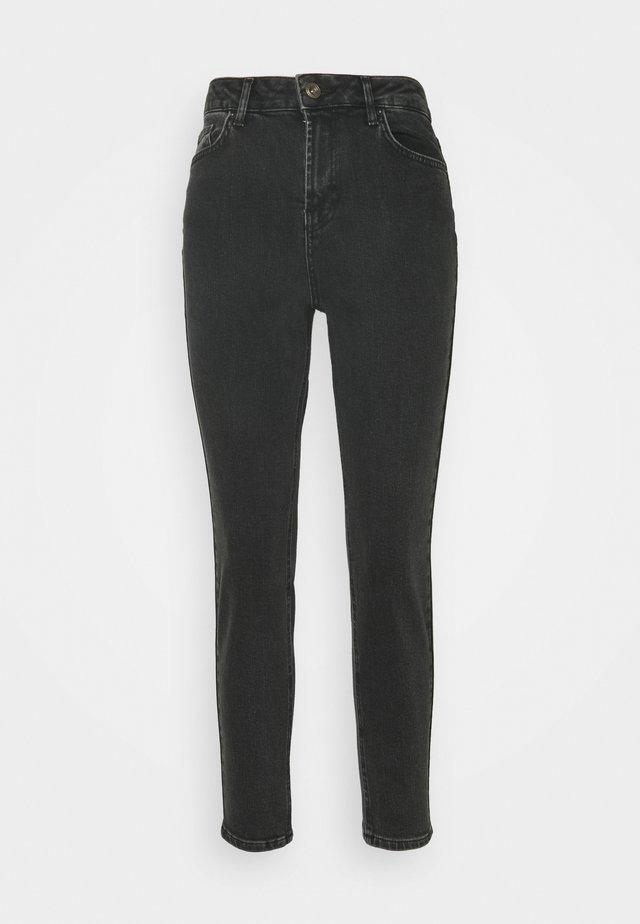 PCLEAH MOM  - Slim fit jeans - black