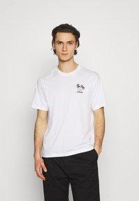 Levi's® - TEE UNISEX - T-shirt imprimé - white - 2