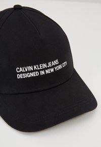 Calvin Klein Jeans - DESIGNED IN NY  - Casquette - black - 6