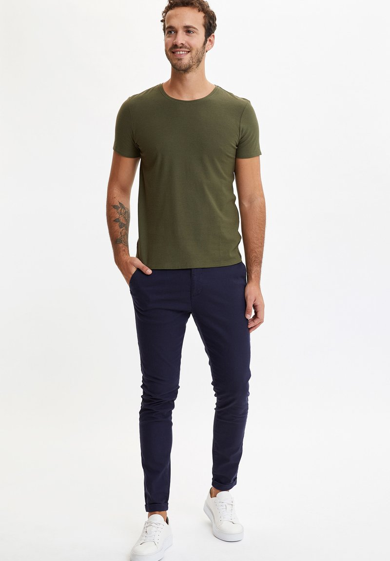 DeFacto - Basic T-shirt - khaki