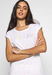Esprit - DUNIA SET - Pyjama set - white - 3