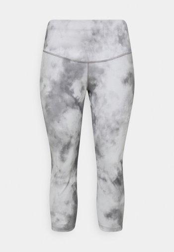 ONE CROP PLUS - Leggings - smoke grey/white