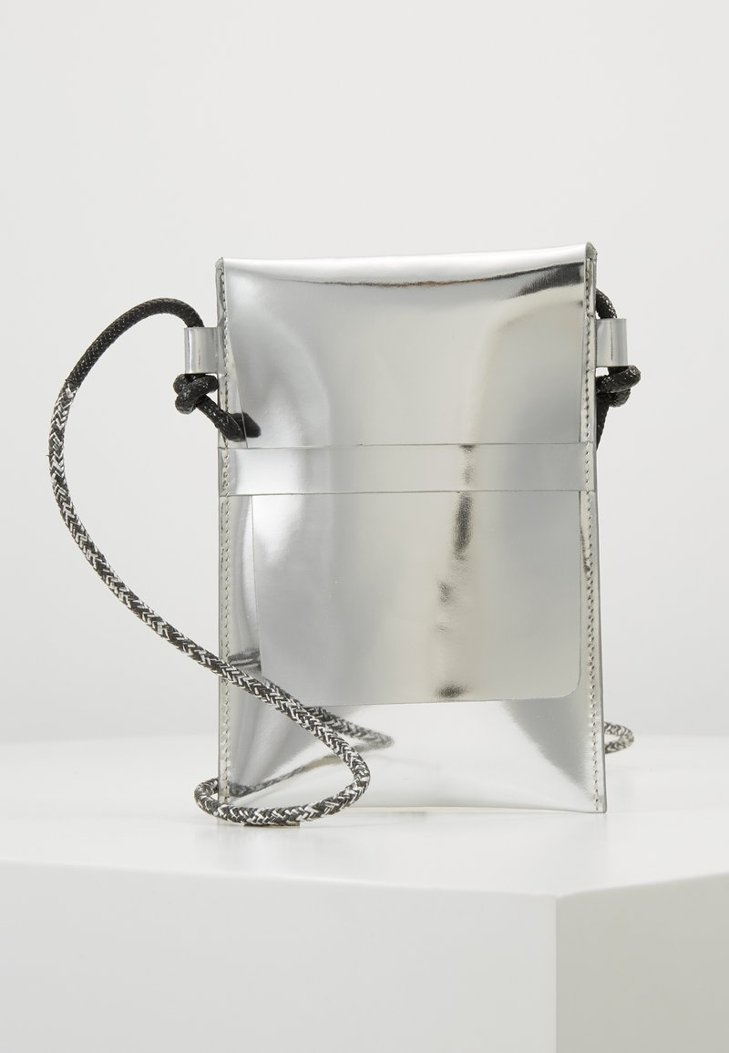 PB 0110 - Across body bag - silver