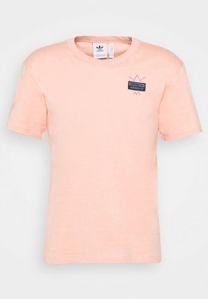 ABSTRACT TEE UNISEX - Triko spotiskem - dust pink