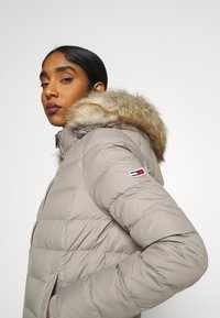 Tommy Jeans - BASIC - Down jacket - mourning dove - 7