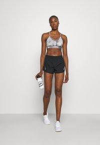 Nike Performance - TEMPO RACE SHORT - Short de sport - black - 1