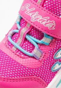Skechers - POWER PETALS - Tenisky - neon pink/multicolor - 5