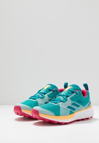 adidas Performance - TERREX TWO - Løbesko trail - turquoise/active teal/solar gold - 2