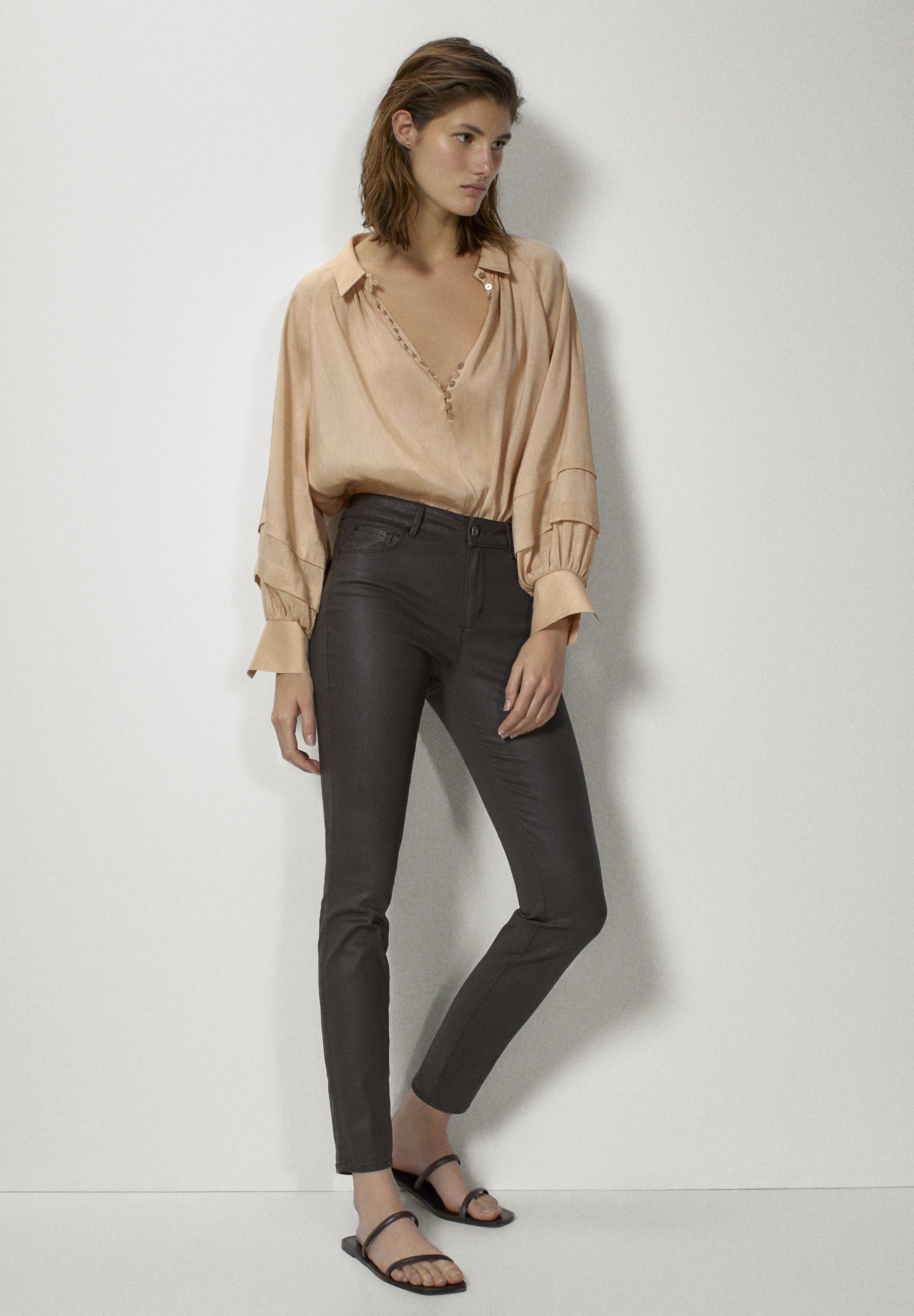 Donna MIT GUMMIERTEM FINISH - Jeans Skinny Fit