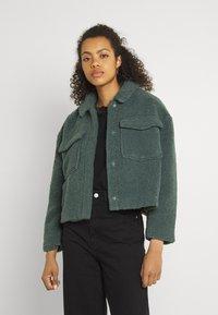 ONLY - ONLMARINA CROP JACKET - Light jacket - balsam green - 0
