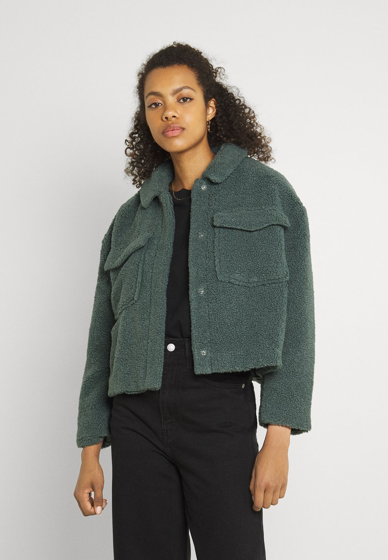 ONLY - ONLMARINA CROP JACKET - Light jacket - balsam green