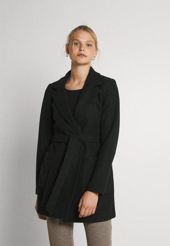 VICATTY BELTED COLLAR COAT - Short coat - black