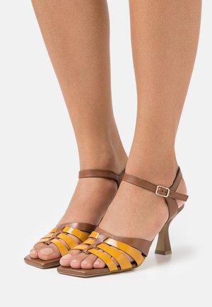 Sandals - girasole