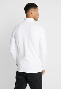 Only & Sons - ONSESSAY ROLLNECK TEE - Long sleeved top - white - 2