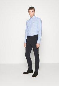 Tommy Hilfiger Tailored - DOBBY DESIGN CLASSIC - Camicia elegante - blue - 1