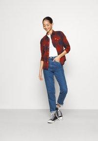 Lee - REGULAR WESTERN - Skjorte - red ochre - 1