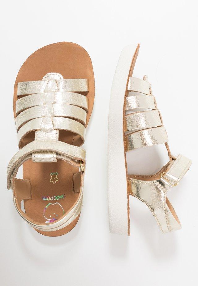 GOA SPART - Sandaalit nilkkaremmillä - platine