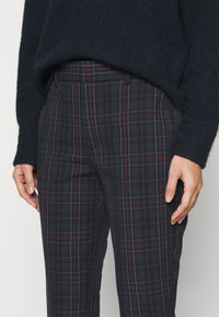 GAP - ANKLE - Trousers - tartan plaid