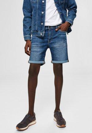 SUPERSTRETCH - Denim shorts - medium blue denim