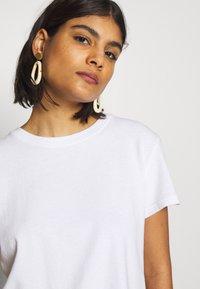 American Vintage - ZERITOWN - T-shirts - blanc - 3