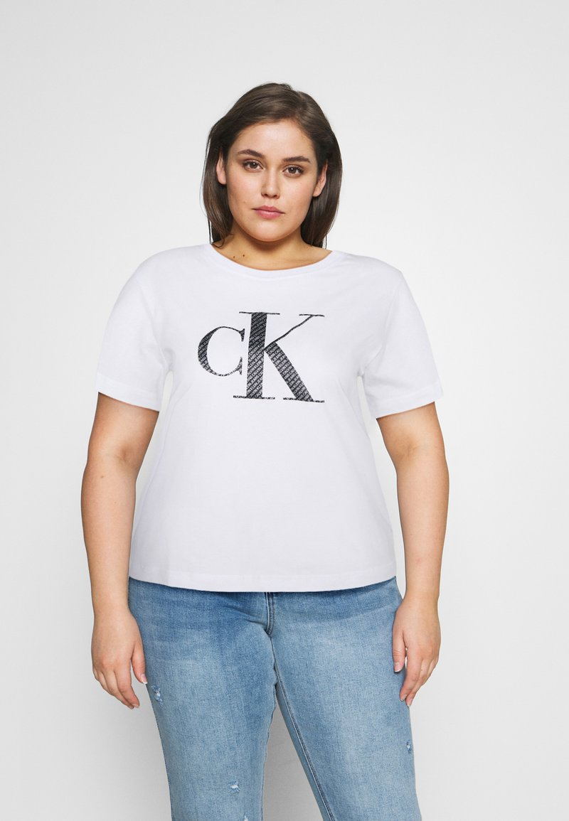 Calvin Klein Jeans Plus - BONDED FILLED TEE - T-shirt con stampa - bright white