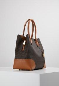 MICHAEL Michael Kors - MERCER CENTER ZIP TOTE - Handbag - brown/acorn - 5