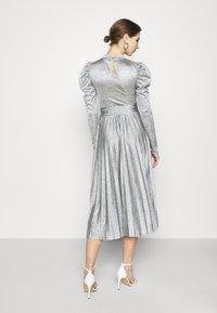 Topshop - PREMIUM MARL PLEATED - Vestido de cóctel - grey - 2