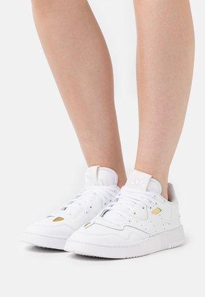 SUPERCOURT XX  - Sneakersy niskie - footwear white/core black