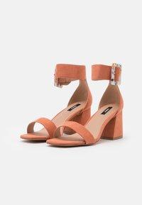 ONLY SHOES - ONLHULA LIFE BUCKLE HEELED  - Sandaler - pink - 2