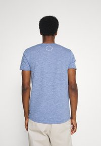 TOM TAILOR DENIM - TEE WITH BACKPRINT - Basic T-shirt - shiny royal non solid - 2
