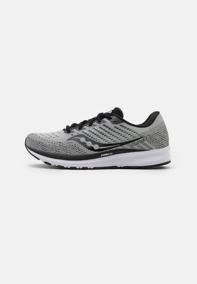 RIDE 13 - Zapatillas de running neutras - alloy/black