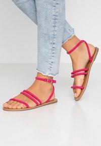 Dorothy Perkins Wide Fit - WIDE FIT TUBULAR  - Sandaalit nilkkaremmillä - pink - 0